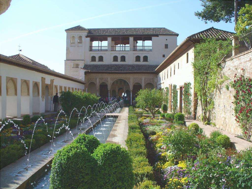 Il giardino arabo è uno stile di giardino a bassa manutenzione.