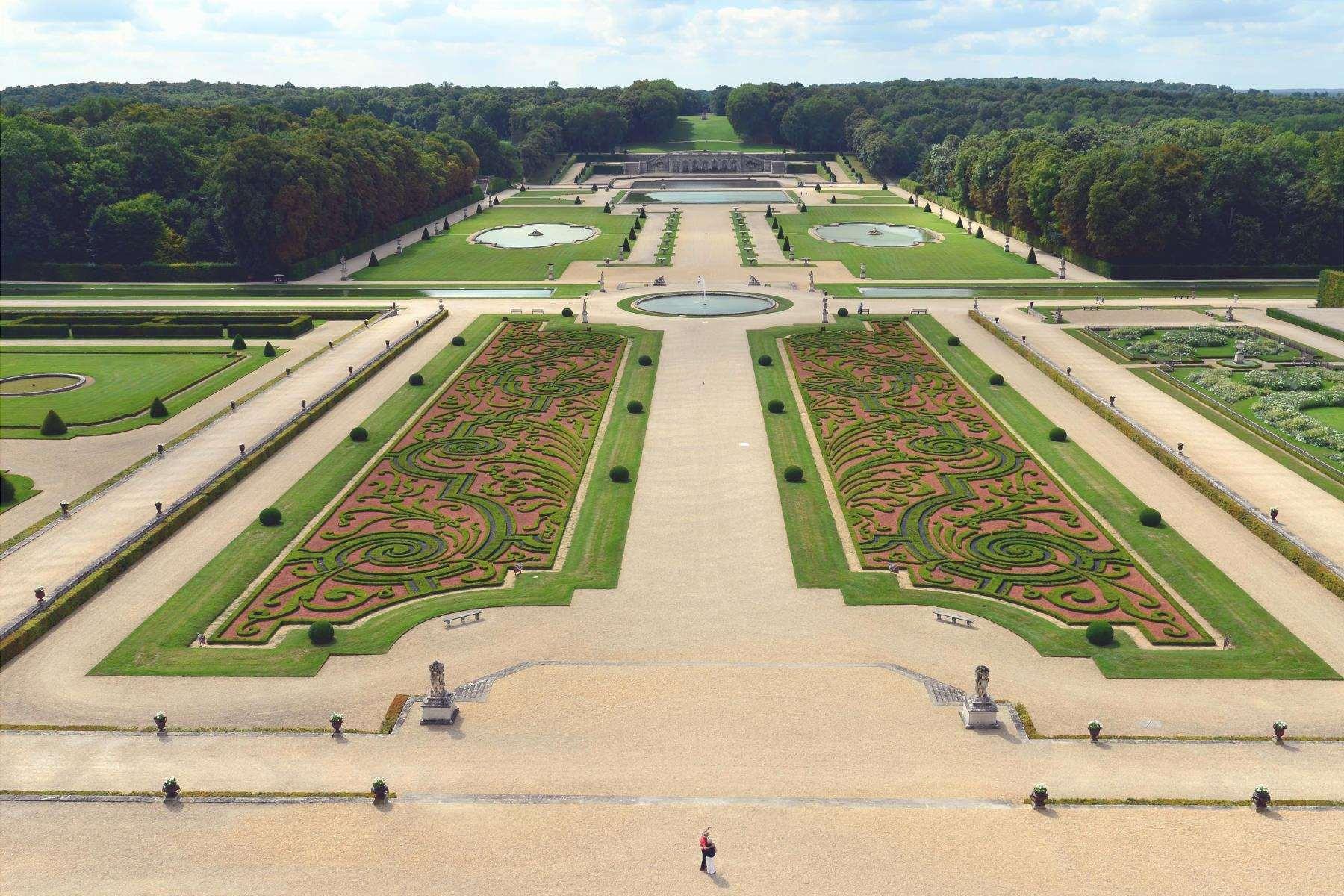 Il giardino francese è uno stile di giardino formale