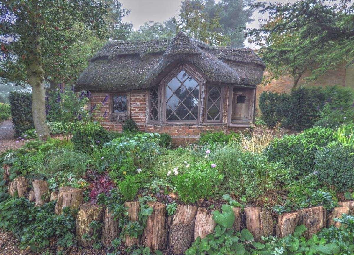 Un giardino romantico può essere rustico