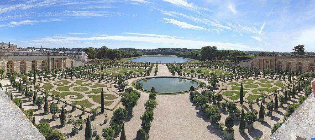 I Giardini di Versailles sono in Francia