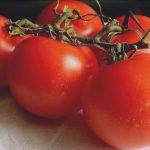 tomates rojos y de gran tamano